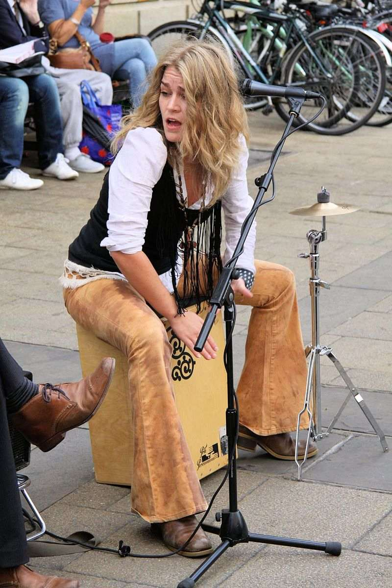 Heidi Joubert of Fernando's Kitchen playing a Cajon: Dave Catchpole